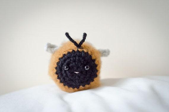 Kawaii Amigurumi Bee : Cute Mystery Carder Bee Amigurumi Kawaii Carder Bee