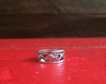 Vintage Three Sparrow Band Ring Size 8