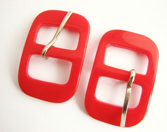 2 small red belt buckles, unused vintage plastic buckles with prongs