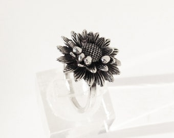 FLORAL # 01: Margot Ring, chopped cane, Sterling Silver, oxidized and polished.