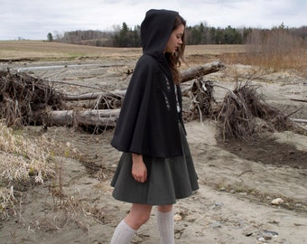 Tifa cape / wool cape / hooded poncho / witch cosplay cape / fall outerwear