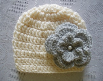 Wool baby hat Cream newborn hat Baby girl hat Newborn girl hat Newborn winter hat Cream baby beanie Flower baby hat Crochet baby hat