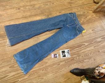 """Lee Vintage Hippie Bellbottoms sz. 26"""" W x 32"""" Inseam in Excell. Cond."""