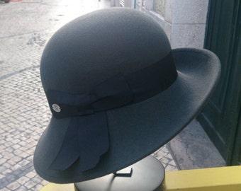 Breton felt cloche hat - 50s slyle - Gray