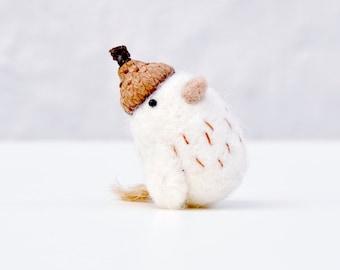 Needle felted miniature bird figurine, miniature animal figurines, animal miniature, miniature chick, tiny bird, gift for kids