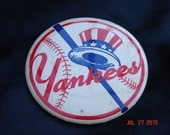 "Extremely Rare New York Yankees Pin Back Pin Button Bat Behind Yankee Hat 3 3/8"" Diameter"