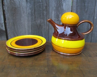 Mid-Century Zell am Harmersbach Havanna Teapot and Set of 4 Dessert Plates