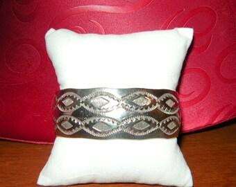 Navajo Douglas Etsitty Sterling Silver 40g Cuff Bracelet designer Native American Jewelry