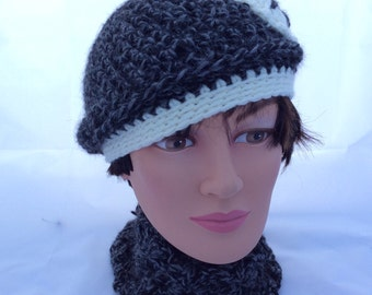 Young girl's flapper hat with matching neck warmer. Age 5 -12.