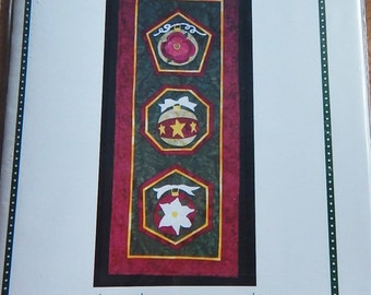 """Deezines Simply Ornamental Applique Wall Hanging Pattern Quilting 13"""" x 34"""" Christmas Holidays"""