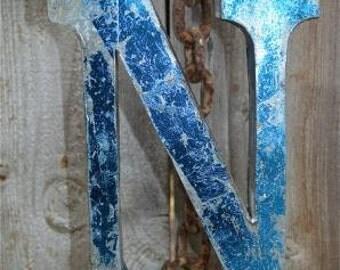 Medium vintage style 3D blue letter N