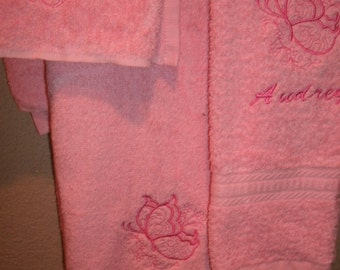 Butterfly Outline Personalized  3 piece Towel Set Bathtowel, Handtowel,  & Washcloth
