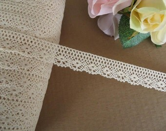 3m of Top quality, fine cotton leavers lace edging trim 2cm natural cream colour for craft / wedding / decoration