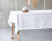 Weiße Leinen Tischdecke. Weiße große handgefertigte Leinen Tischdecke gewaschen.