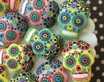 SALE - Sugar Skull Cabochon - Day of the Dead Cabochon - Skull Resin Cabochons
