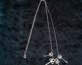 14k White Gold Necklace & Key Pendants -- 18 inches