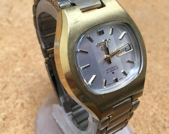 Vintage Seiko 6119-5490 Mens Gold Tone 21 Jewels Water Resistant Self Winding Automatic Watch Hours Clock ~Day Date~ Runs~Keeps Time