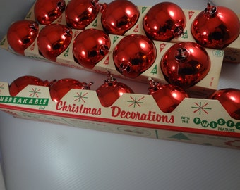 Vintage Christmas Ornaments, Twist 'n Snap Unbreakable Christmas Decorations, Red Christmas Balls, l950's Atomic Christmas Tree