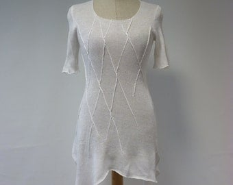 Sale. Irregular white linen blouse, S size. Delicate and feminine look.