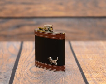 The elegant stainless steel hip flask in a leather lining with the image of a dog - Basset Hound. Collection!