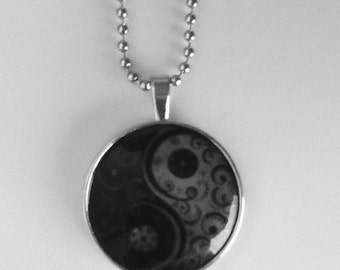 YIN YANG NECKLACE - Glows in The Dark