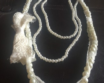 White lace pearl necklace vintage
