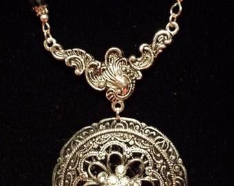 Vintage Black Flower Necklace