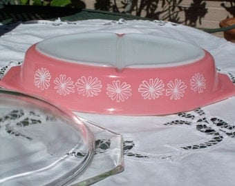 Pyrex Pink Daisy Divided Dish with Lid - Mint!