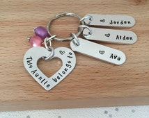 personalised gift - auntie gift - aunt gift - personalised keyring - personalised names - birthday gift - sister - hand stamped - UK - aunty