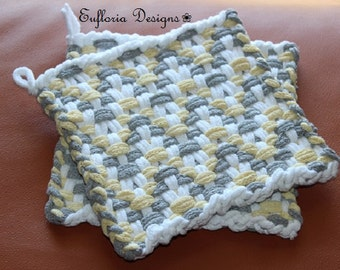 COTTON WOVEN POTHOLDERS | Grey & Yellow on White