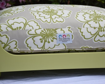 Willow Dog Bed *** NEW *** Extra Large *** Lilly Inspired *** Tan Apple Green *** Custom Embroider Pets Name *** Cover *** TSD