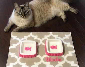Pet Placemat || Personalized Water Resistant Quatrefoil Ecru Cat Bowl Mat || Food + Water Bowl Mat || Feeding Station by Three Spoiled Dogs