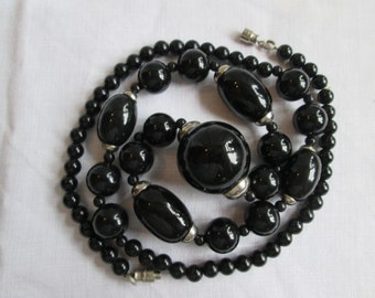 Black & Silver Graduated Bead Neacklace