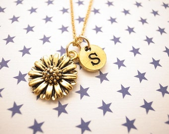 Daisy with initial charm Gold Necklace Initial Gold Necklace Gold charm Necklace Gold Personalized Necklace Jewelry