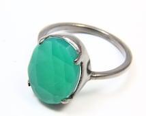Natural Green Onyx Ring, Chalcedony Ring, Onyx Jewelry, Gemstone Rings, Black Rhodium Ring, Oxidized Ring, Natural Gemstone Jewelry