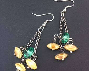 Chain and bead dangle earring