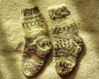 Hand knitted Wool Socks for baby. Size 0-3 months.
