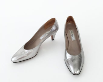 Vintage 1980s Silver Italian Leather Pumps