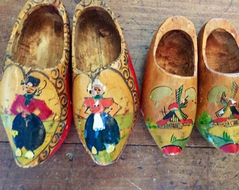 Nice Collection of 1950's Handpainted Wood Decorative Dutch Shoes, Holland, Two Pairs Of Wooden Shoes.