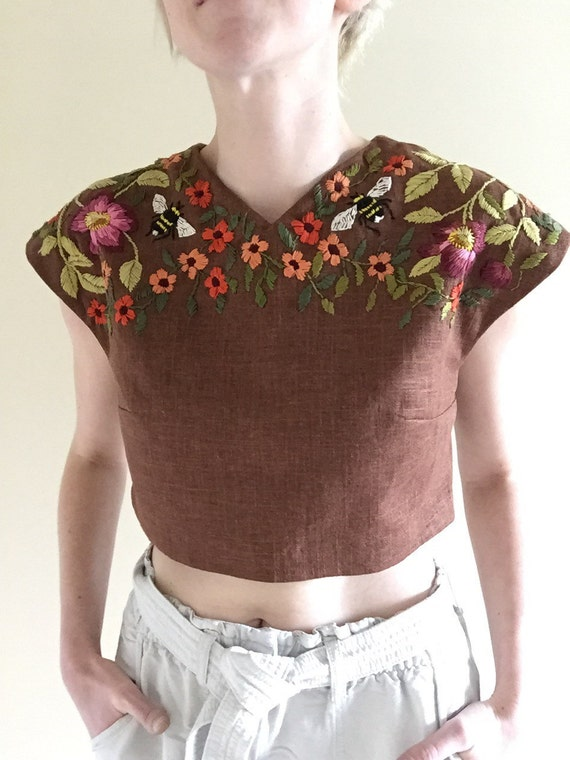 Brown linen crop top with bumble bees and flowers