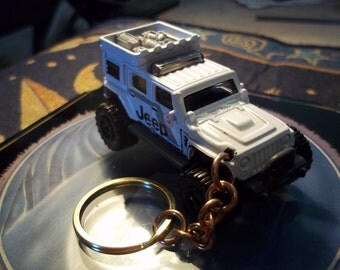 custom made keychain 2008 jeep wrangler superlift concept,gloss white w/jeep logo's-black mags/refited-mint