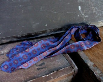 Vintage Cravat - Blue Cravat - Geometric Print Cravat - Grooms Tie - Vintage Wedding - Retro Wedding - Mens Formal Wear - Mens Prom Wear