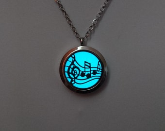Music Note Necklace - Music Teacher Gift - Music Jewellery - Music Pendant - Glowing Necklace - Music Lover - Glow in the Dark