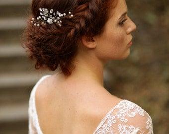 Wedding hair pin Pearl bridal hair pin Pearl headpiece Pearl bridal hair piece Wedding hair accessory Hair pins pearls Bridal hair clips