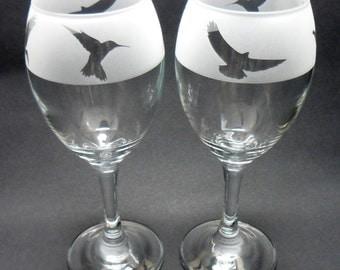 Birds Design Engraved Wine Glasses Pair