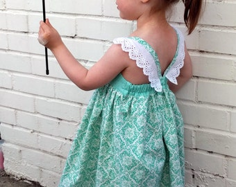 Girls birthday dress mint, Girls birthday dress mint,  flutter sleeves, Girls dress flutter sleeves, Flutter sleeves dress, Size 4T dress