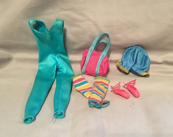 1983 Great Shape Barbie Outfit with Shoes