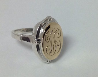 Vintage Ladies / Child's Sterling Silver T. E. Monogrammed ,Signet Ring with 10k Yellow Gold Centre