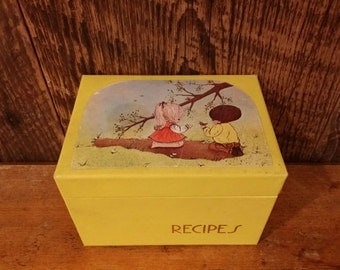 Vintage 1970's Yellow Recipe Box With Twelve Dividers and Recipes Storage Kitchen Couple Cooking Hardboard Graduation Wedding Gift Gold