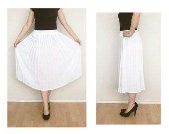 White skirt - pleated skirt